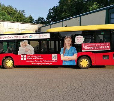 Busbeschriftung-Heiligen-Geist-Stift-1075x676px
