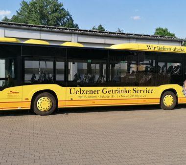 Busbeschriftung-Uelzener-Gertänkeservice-1075x676px